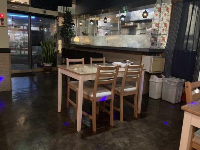 東京・小岩のフィリピンレストラン DAVAO KITCHEN(ダバオキッチン) 店内②