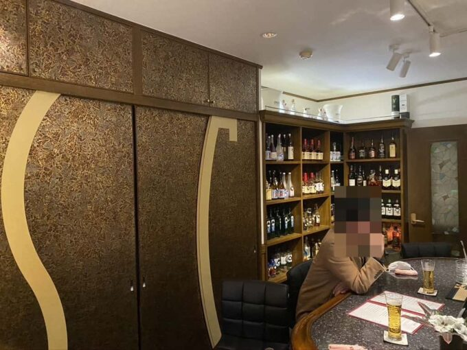 東京・高円寺のフィリピン料理レストラン フィリピン酒場YOSHIDA カウンター2