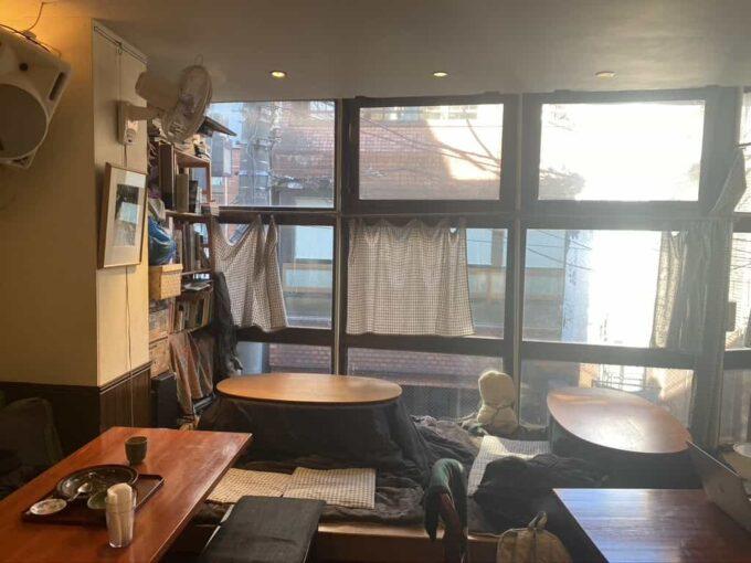 女子会・ママ友ランチなど女性におすすめな東京のおしゃれなフィリピン料理・レストラン かまいキッチン 内装1