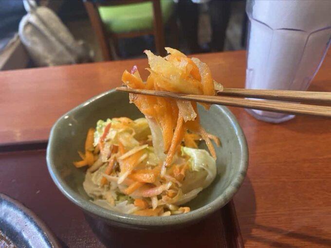 東京・下北沢のフィリピン料理・レストラン かまいキッチン サラダ2