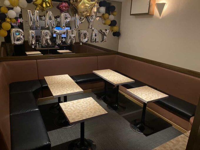 東京・高円寺のフィリピン料理レストラン フィリピン酒場YOSHIDA テーブル席1