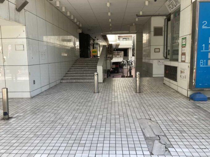 東京・六本木のフィリピン料理・レストラン ニューナナイズ ロータリー