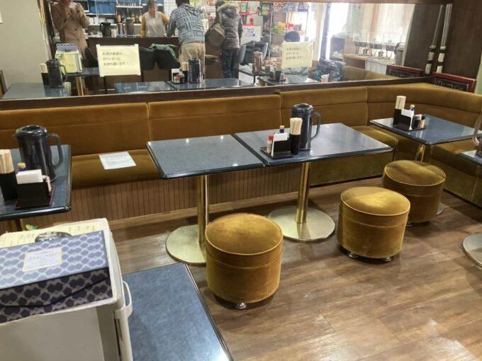 東京・大塚のフィリピン料理レストラン 食べ放題 フィエスタサオオツカ テーブル席