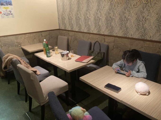 東京・錦糸町のフィリピン料理レストラン キッチンマニラ 内装2
