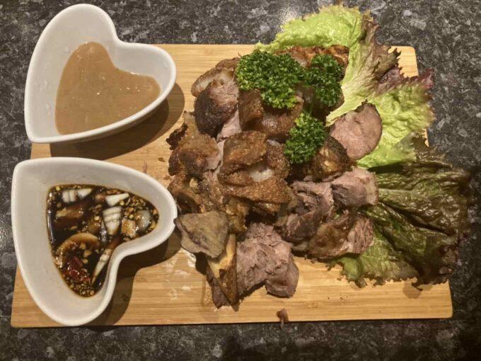 東京・高円寺のフィリピン料理レストラン フィリピン酒場YOSHIDA クリスピー・パタ1